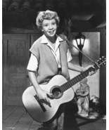 Hayley Mills 8x10 Photo playing guitar The Parent Trap - $7.99