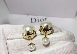 SALE! Auth Christian Dior Mise En Dior Tribal Petal Gold Double Pearl Earrings image 6