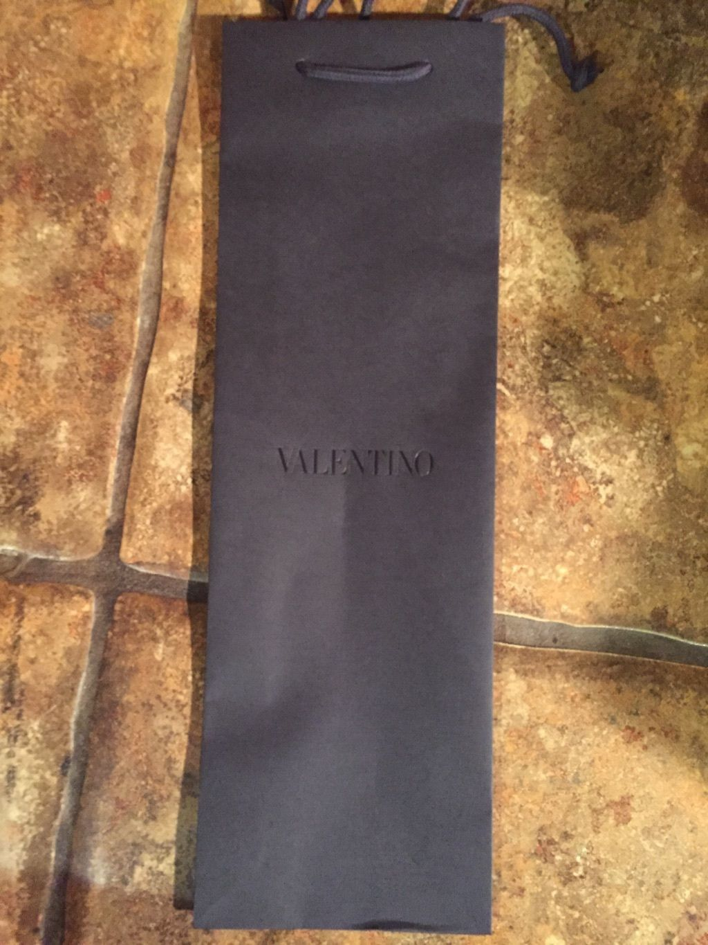 "Primary image for Valentino Designer Paper Envelope Shopping Carrying Gift Bag Uomo 16 x 7 ""2015"""