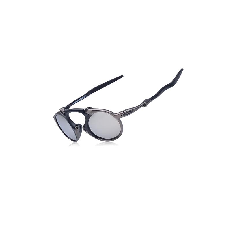 Oakley Men's Madman OO6019-03 Polarized Iridium Round Sunglasses 30 % discount