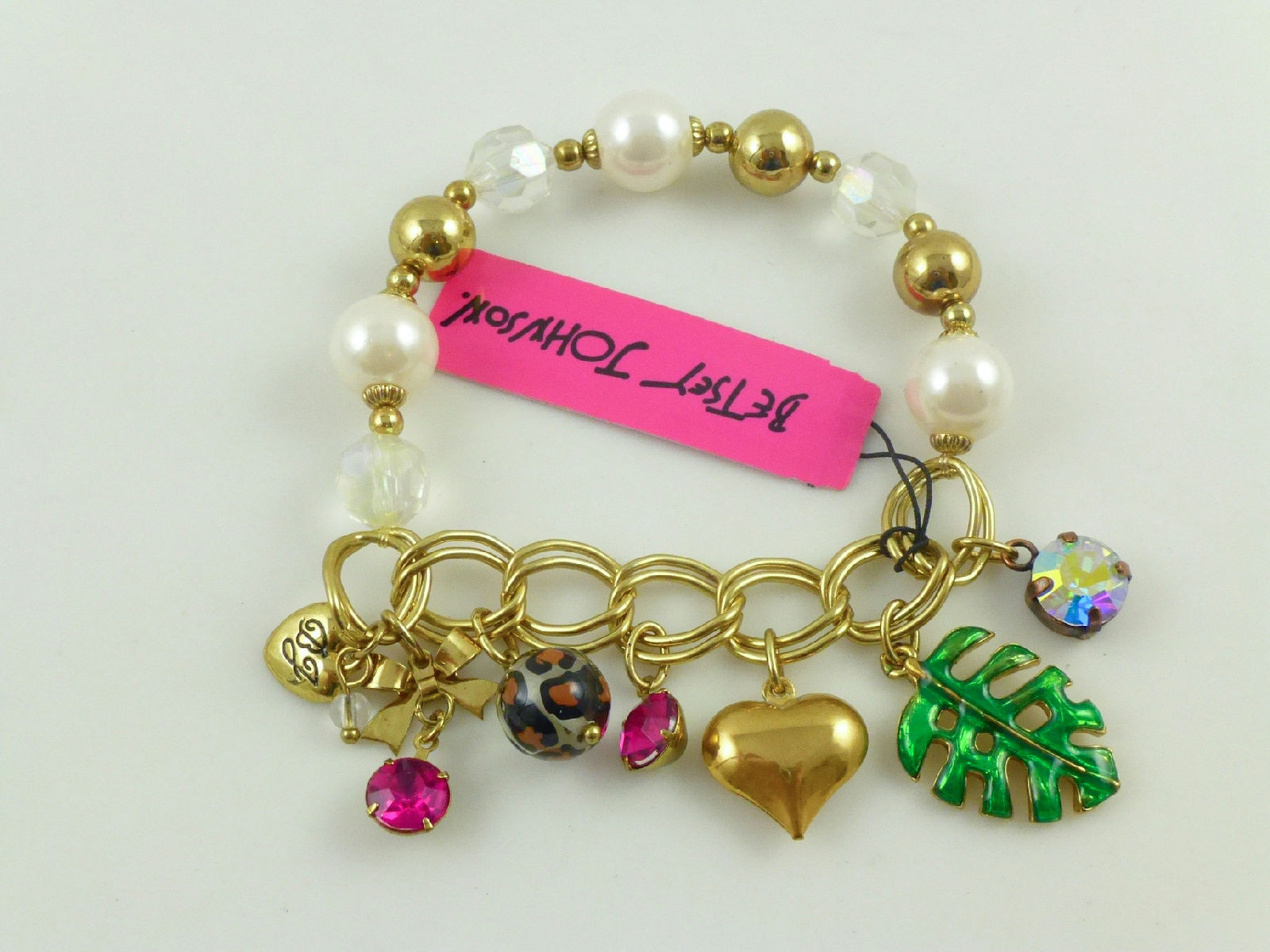 Primary image for BETSEY JOHNSON Gold tone Faux PEARL CHARM BRACELET - 7 inches - NWT - FREE SHIP