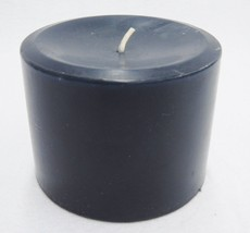 "Longaberger Navy Blue Pint Size Pillar Candle Flower Garden Scent 2.5"" U... - $9.89"