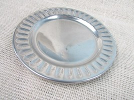"Wilton Armetale plate 6"" bread & butter/salad ""Iconic"" pattern glossy - $5.18"