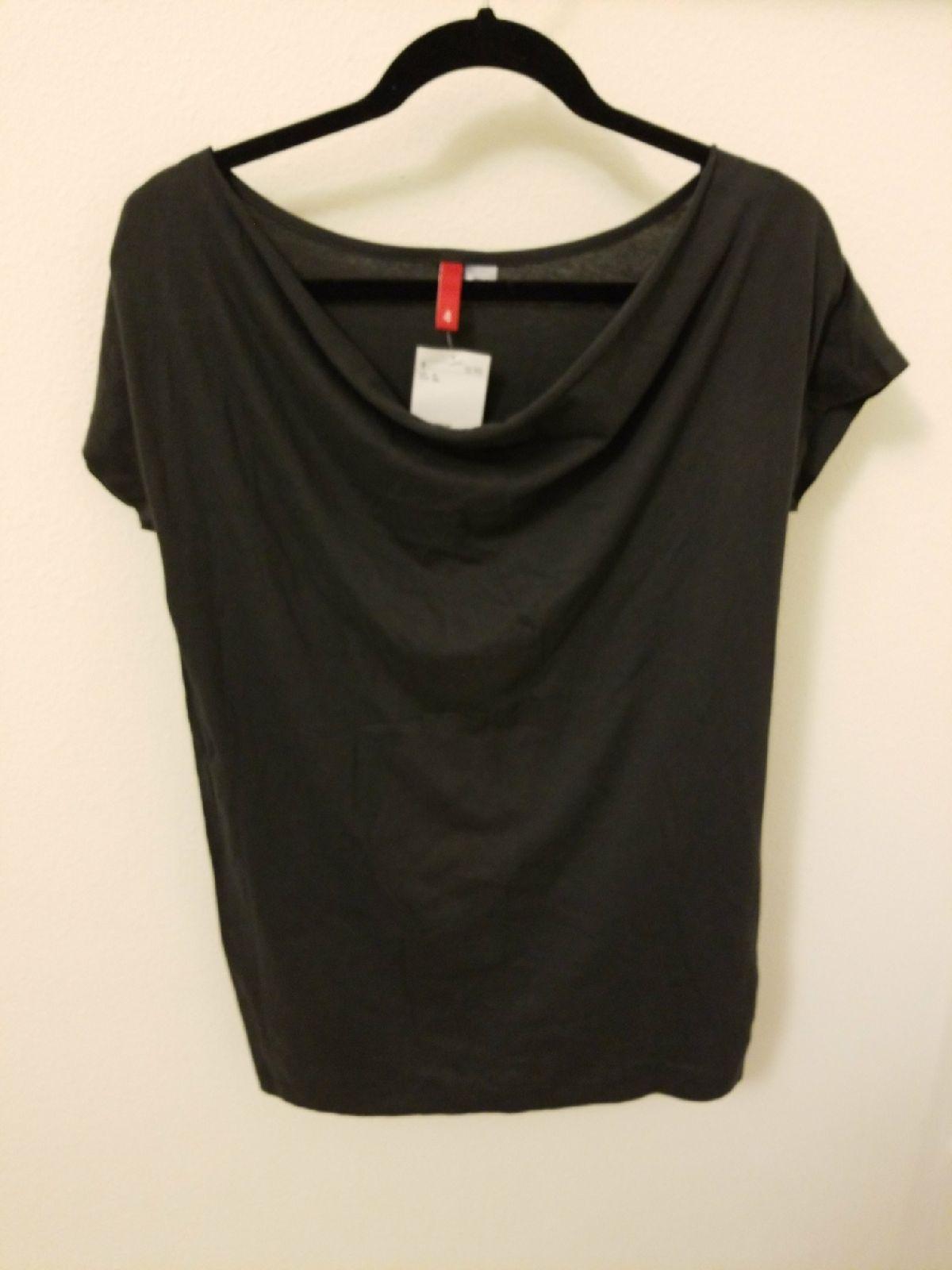 H&M Divided darkest grey black t shirt drape front 4 / Small