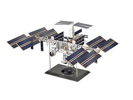 ??Revell Limited Edition International Space Station ISS Model Kit 1/144 - $619.30