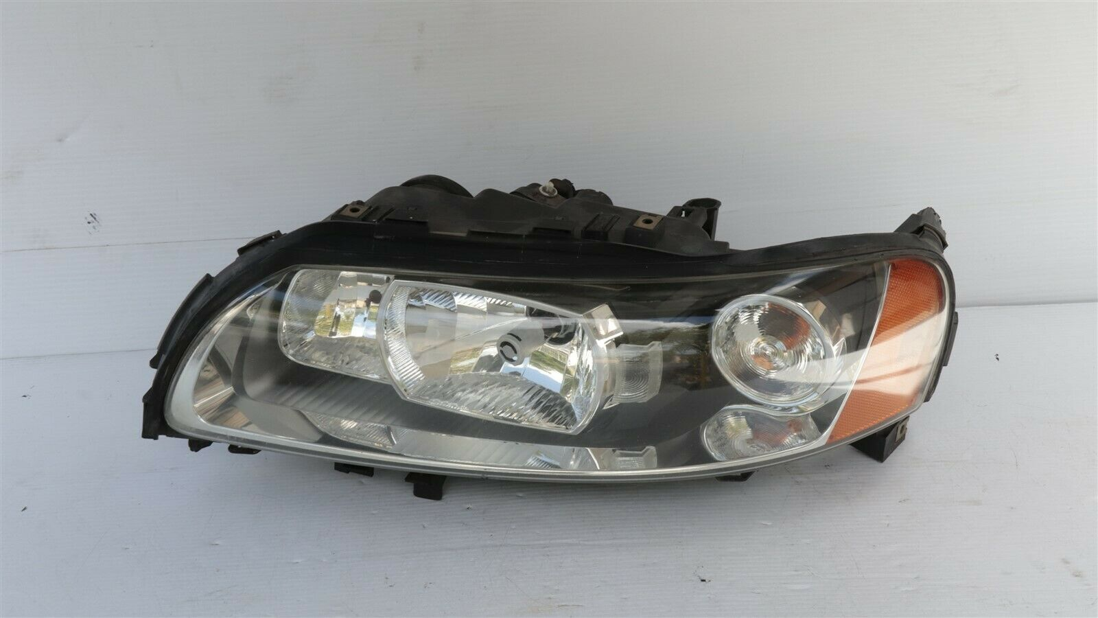 05-09 VOLVO S60 HID Xenon Headlight lamp Driver Left LH 30698851