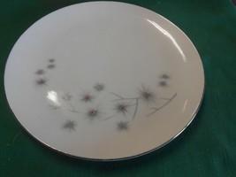 "Beautiful Creative Fine China Luncheon Plate 9.25"" - $6.52"
