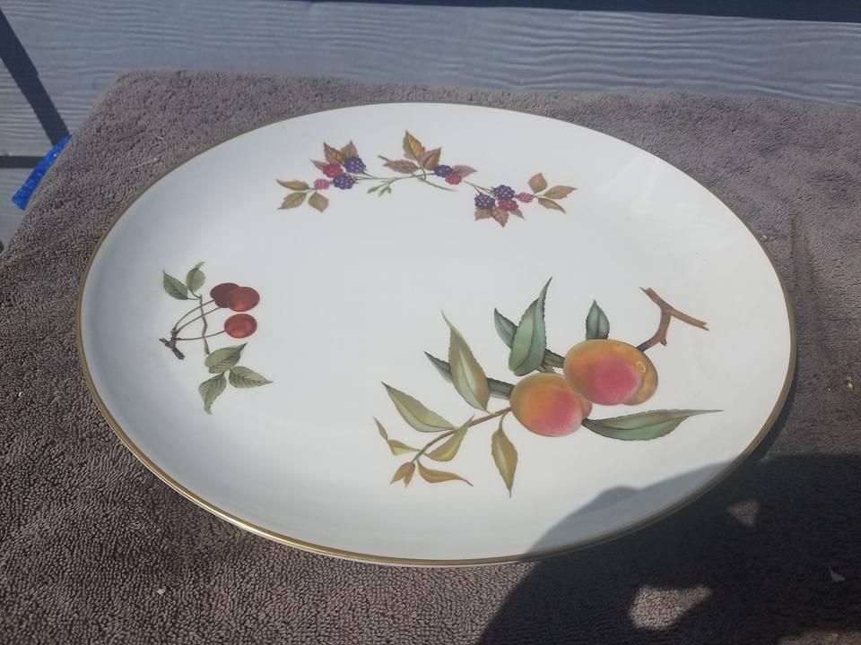 Royal Worcester Evesham Gold Oval Serving Platter - Fruit 13X11