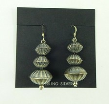 Sterling Silver Native American Navajo Detailed Fluted Bead Earring 5.6 ... - $681,93 MXN