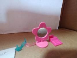 Polly Pocket Designer Malls Accessory Cart  Accessories Only  - $5.00