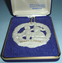 "Gorham JOYS of CHRISTMAS Noel 1976 Ornament Medallion ""Caroling"" Limited... - $22.99"
