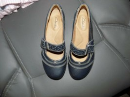 Clarks Artisan Blue Leather Mary Janes Flats Shoes Size 5M Women's EUC - $38.22