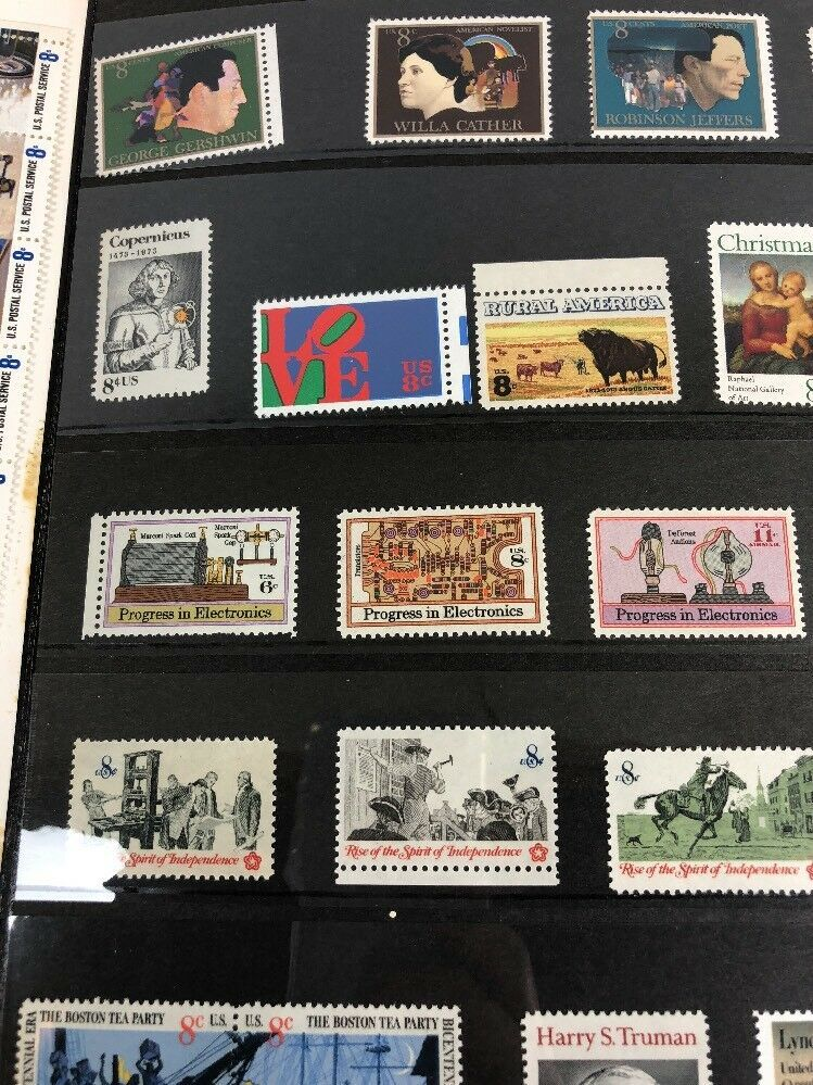 1973 Souvenir Mint Set USPS United States Postal Services with 20 Extra Stamps