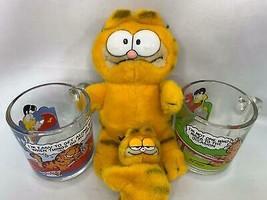 Pair of Vintage Garfield Stuffed Animals Dakin Plus 2 Glass Mugs Comics - $10.00