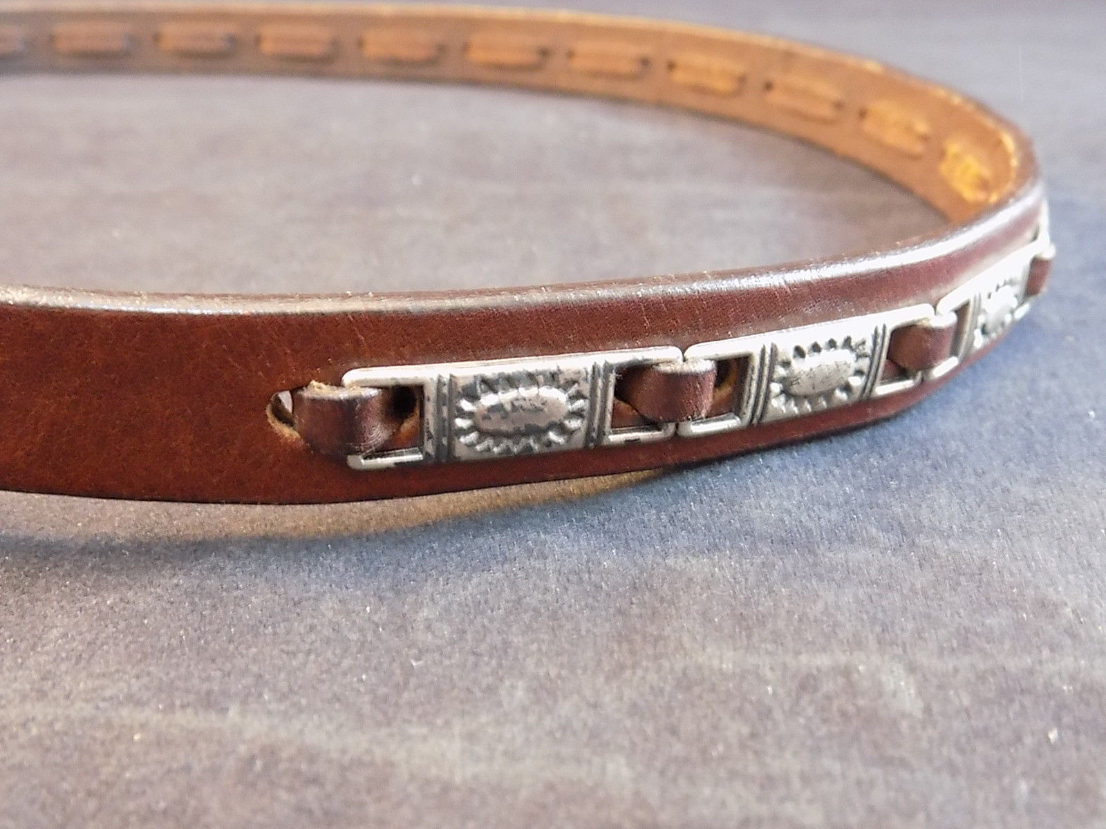 WOMEN'S FASHION BELT FOSSIL LEATHER BELT w/ Silver tone Accents and Buckle 36""