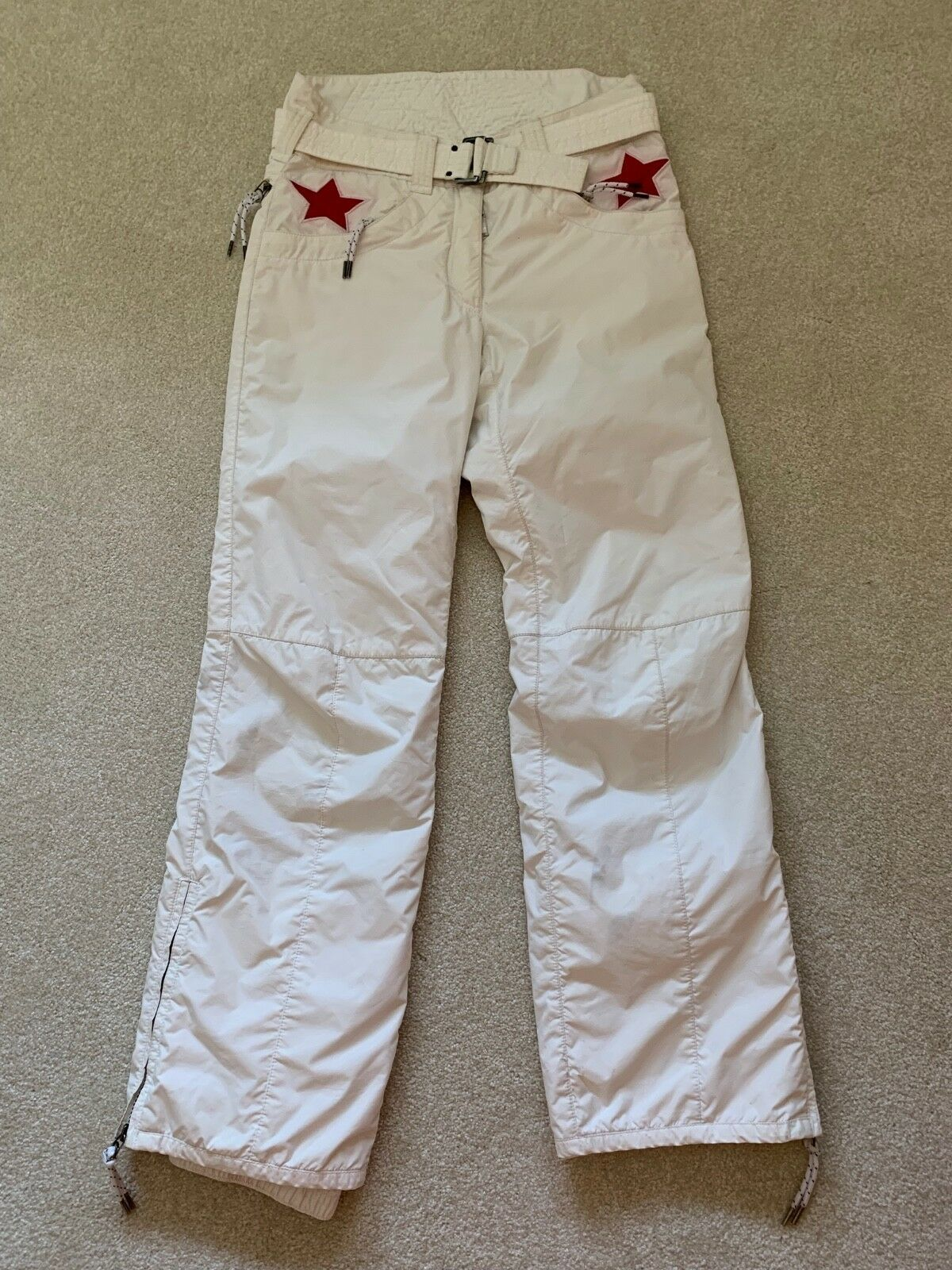 JSX. JET SET St. Moritz White with Red Star Ski Pants, Sz.1 Purchased in Gorsuch