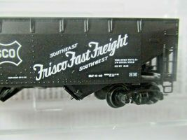 Micro-Trains # 05500610 Frisco 33' Twin Bay Hopper, Offset Sides No Load N-Scale image 3