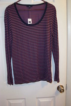 Gap very pretty, Knit Top, Size L, New With Tag. - $12.72