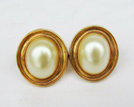 Avon large clip earrings oval faux pearl gold tone setting nice - $3.71