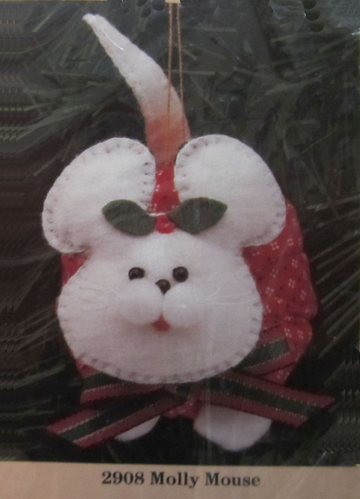 "1989 Creative Circle Felt Stuffed Molly Mouse Christmas Ornament Kit 3"" x 5"" - $14.99"