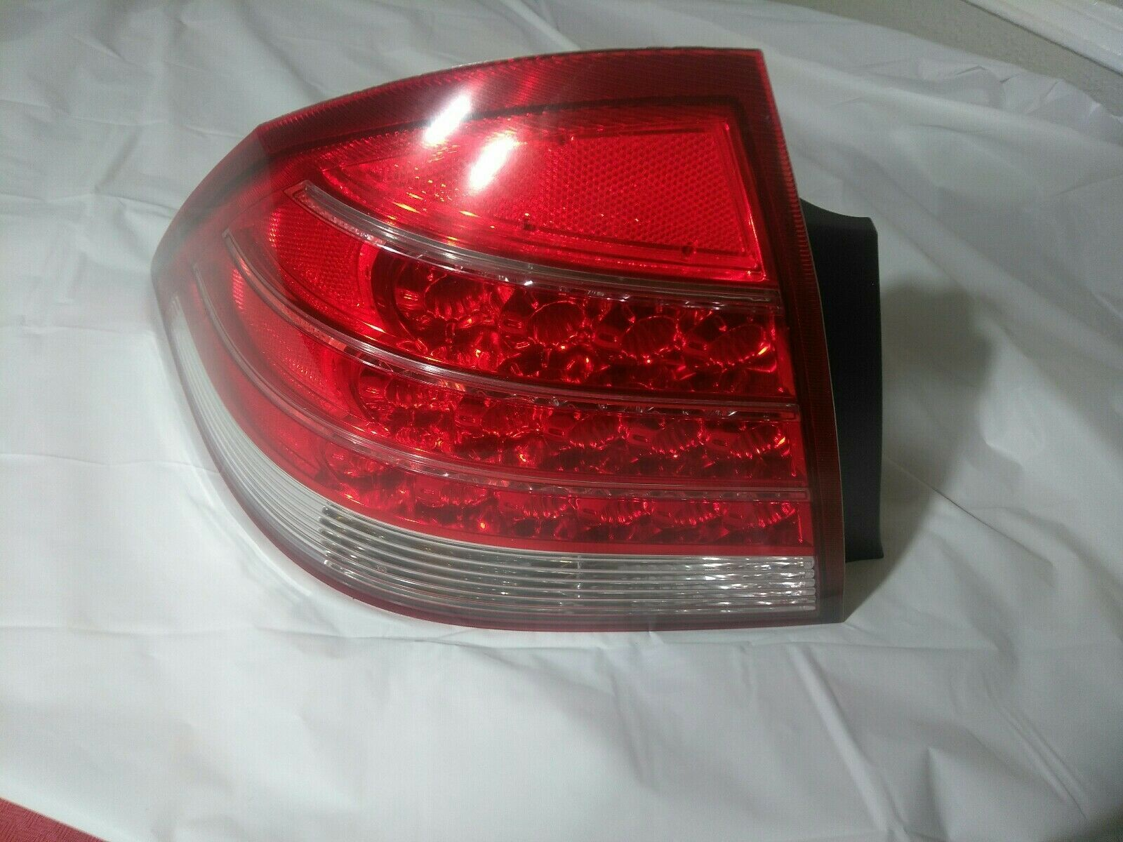 NEW GENUINE MAZDA  2010 2011 2012 CX-7 Rear Left Side Tail Lamp  EH44-51-160F