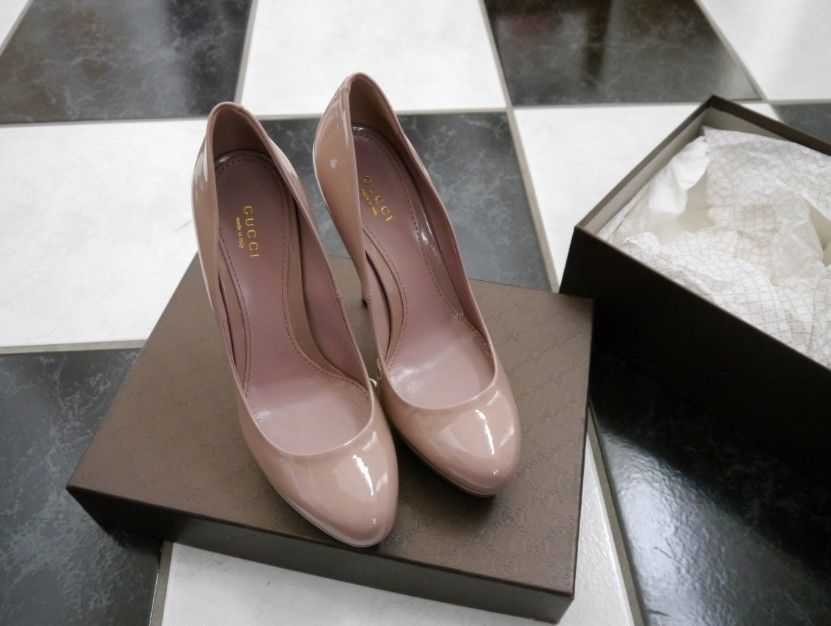 dba4338a477 Nib 100% Auth Gucci Nude Patent Leather and similar items