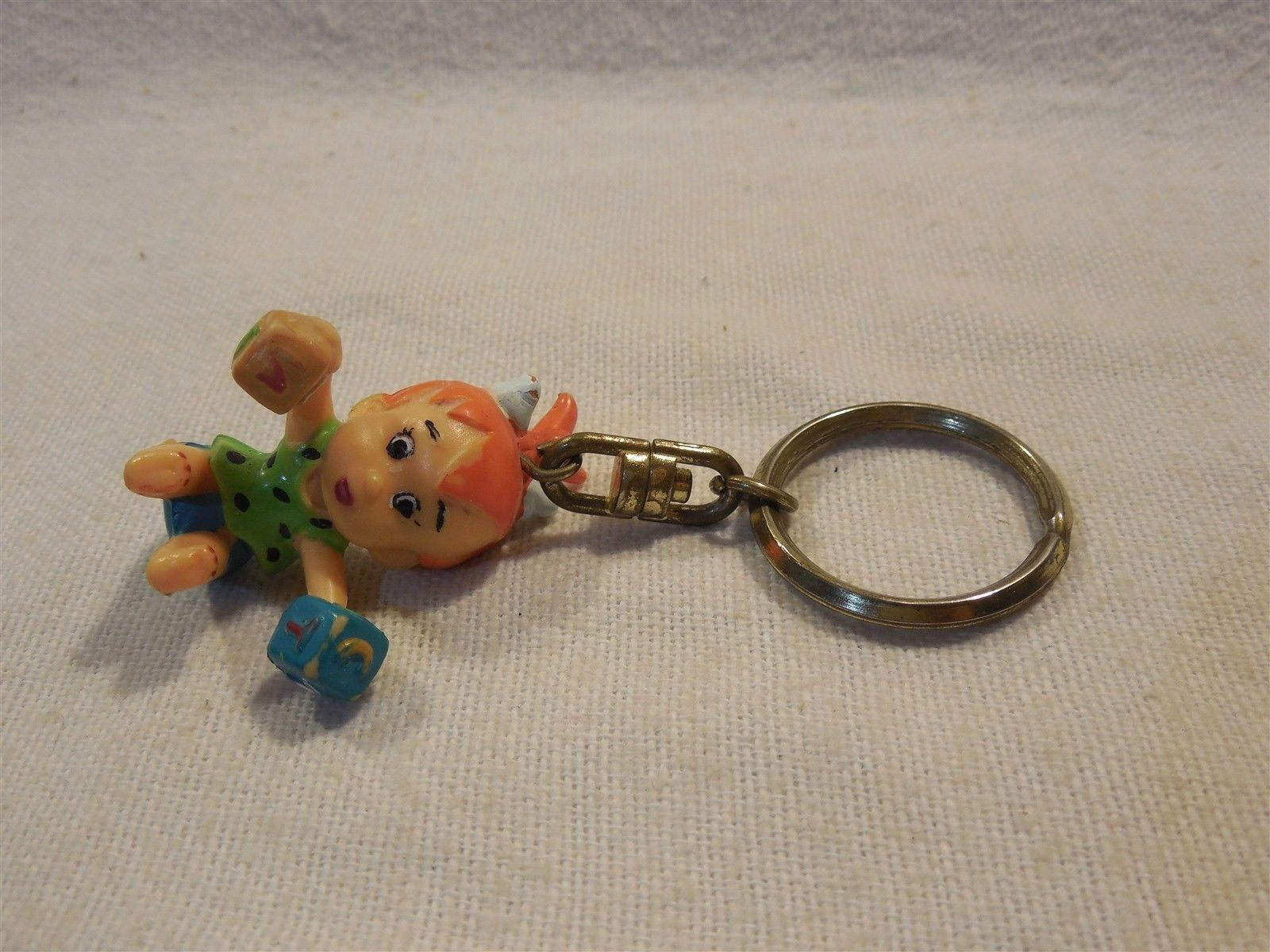 Flintstones 1994 Yarto Hard Plastic Pebbles Flintstone w/Blocks Key Chain