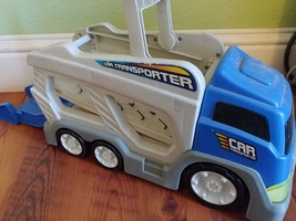 Toy Plastic Car Transporter Hauler Truck Battery Operated - $8.00
