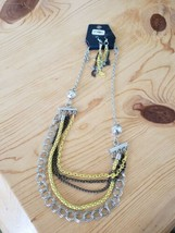 1070 Silver Gray & Yellow Chains Neckace Set (New) - $8.58