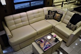 2015 Entegra Coach Anthem 44B for sale In Monroe, WA 57104 image 2
