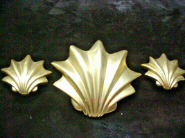 Les Bernard Vintage Seashell Pin & Earrings Clip On Matte Gold Tone - $34.65