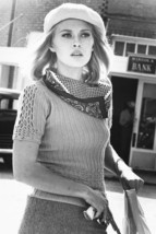 Faye Dunaway Bonnie and Clyde In Cap 18x24 Poster - $23.99