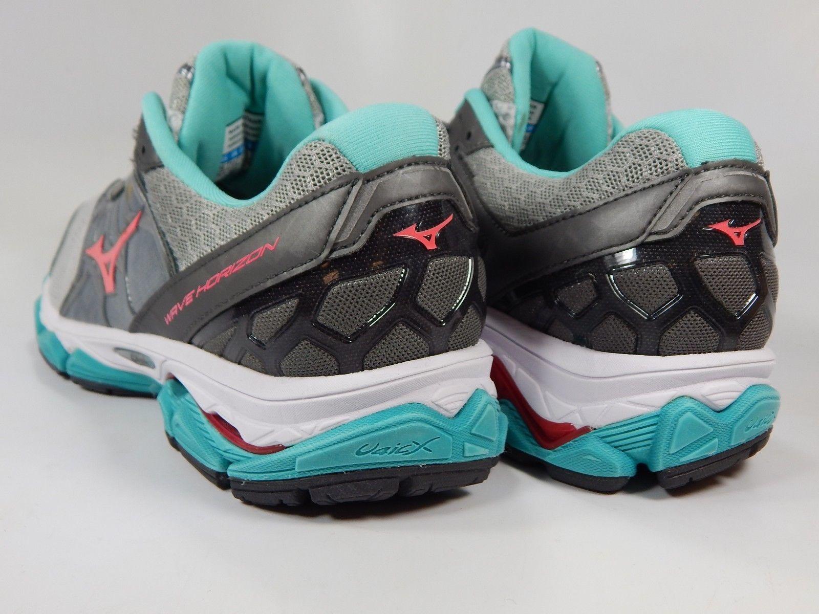Mizuno Wave Horizon Size US 10 M (B) EU 41 Women's Running Shoes Gray Silver