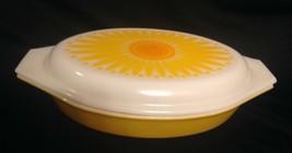Pyrex Daisy Flat Oval Casserole Dish Divided #945-C Dish Bowl & Lid - $29.89