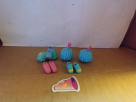 Polly Pocket Sports Star Polly Cheerleader (Accessories no Doll) 2003 - $8.00