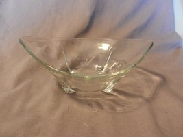 Vintage Clear Glass Footed Oval Serving Bowl Teardrop Design (M) - $39.60