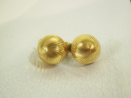 NAPIER Gold Plated Scored SWIRL DOMED Comfort Clip Earrings Vintage Clas... - $22.76