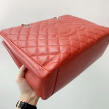 AUTH CHANEL RED QUILTED CAVIAR GST GRAND SHOPPING TOTE BAG  image 5
