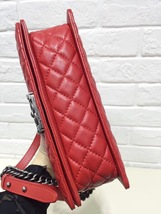 AUTHENTIC CHANEL RED SMOOTH CALFSKIN REVERSO MEDIUM BOY FLAP BAG RHW image 4