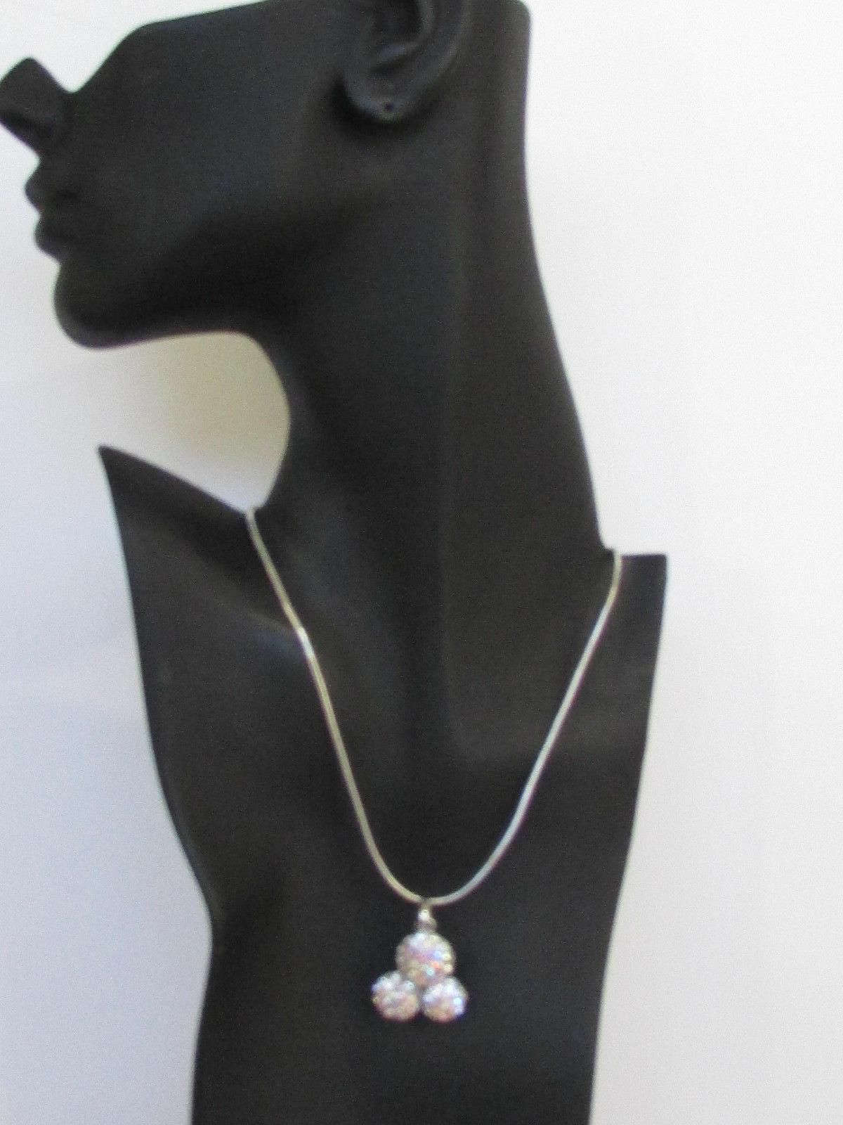 Damen Kurze Modische Halskette Metall 3 Bälle Silber Gold Strass Anhänger Bling image 12
