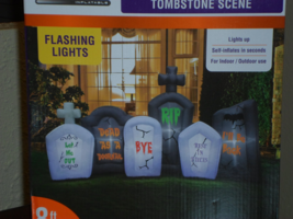 Halloween Graveyard Tombstone Inflatable with Flashing Lights - 8 Feet Long - €77,50 EUR