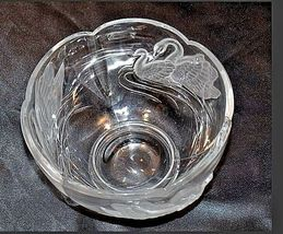 Cut Glass Bowl with Beautiful Etched Raised Swan Design AA18-11800 Vintage image 4