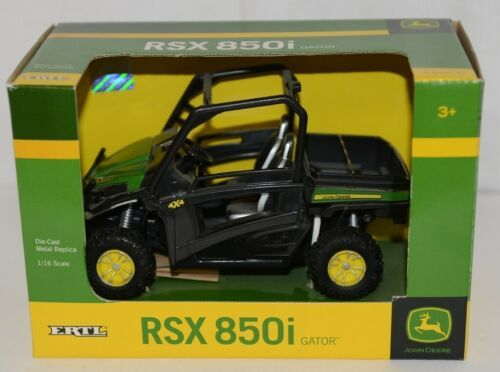 John Deere TBE45296 Die Cast Metal Replica RSX 850i Gator