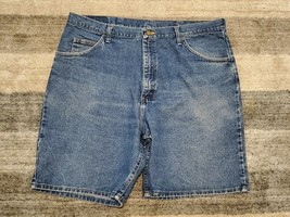 Wrangler Medium Wash Jean Shorts Relaxed Fit 100% Cotton For Men Size 40 - $12.16