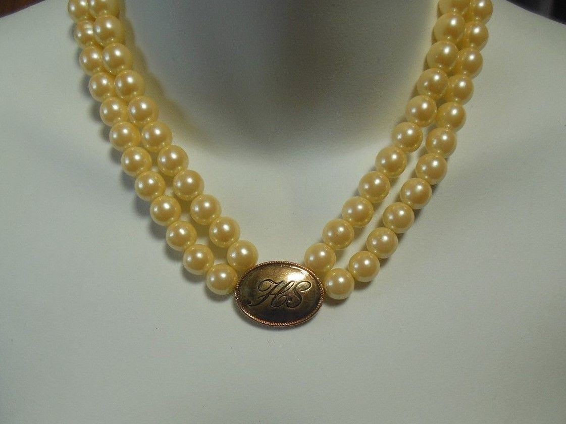 Avon President's Recognition Pearlesque Necklace 2005 HS