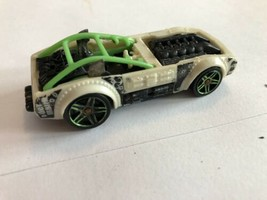 DEMOLITION DERBY Design Ex PILEDRIVER Green White LOOSE Hot Wheels - $2.08