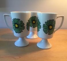 Vintage 70s Graphic Flower pedestal mug- set of 3 image 1