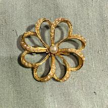 Small Pearl Flower goldtone brooch pin vintage wedding - $14.55