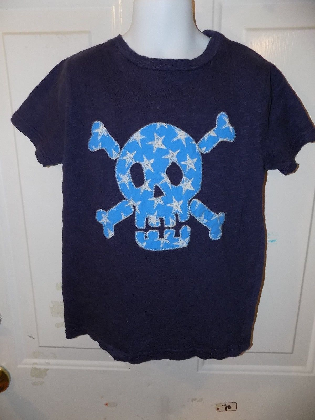Primary image for MINI BODEN Skull + Crossbones BIG APPLIQUE T-SHIRT SIZE 6/7Y BOY'S EUC