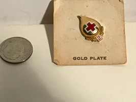 RED CROSS BLOOD DONOR Gold Plate  2 GALLON PIN - $8.59